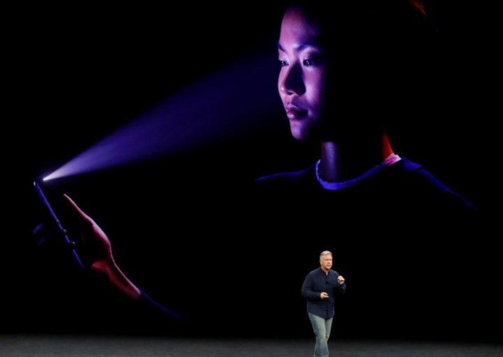สื่อนอกชี้ Apple ล้ำหน้าคู่แข่งในตลาดไป 2 ปี ด้วยเทคโนโลยีตรวจจับใบหน้า 3 มิติ