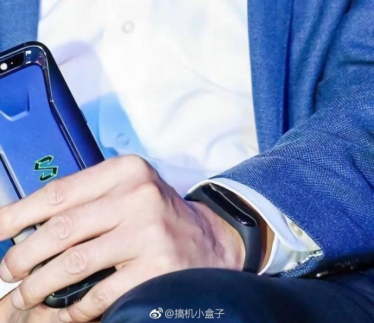เผยภาพ Xiaomi Mi Band 3 จาก CEO เอง!