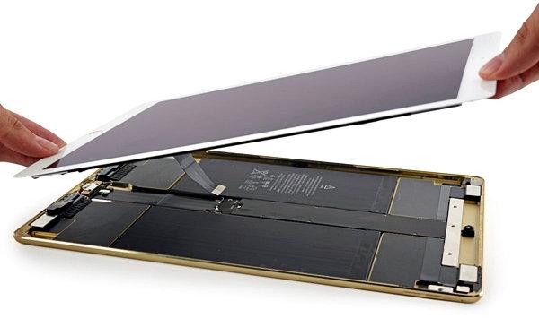 iFixit แงะแล้ว iPad Pro พบถอดง่ายขึ้นนิดหน่อย แต่ก็ไม่แนะนำให้แกะเหมือนเคย