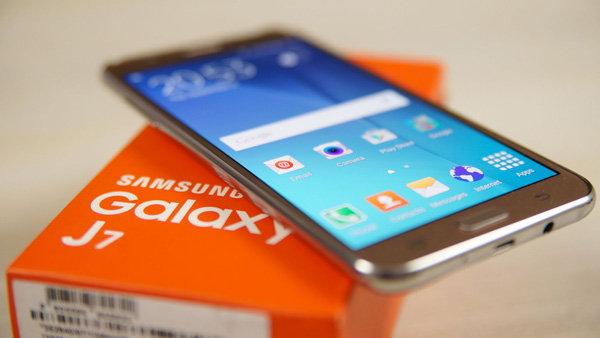 หั่นราคา Samsung Galaxy J7 เหลือ 4,900 บาท ถึง 31 มกราคมนี้ เท่านั้น!