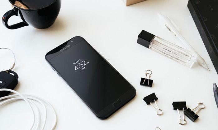 เห็นน้องนายใช้แล้วอยากได้บ้างกับ Samsung Galaxy A 2017 ที่มาพร้อมโปรโมชั่นเพียบ!