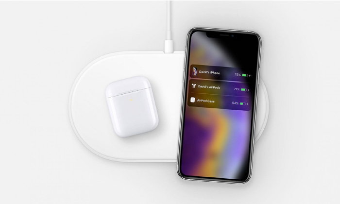"""มาแน่ พบภาพ """"iPhone XS"""" และ  """"AirPods"""" ใช้งานคู่กับ AirPower"""