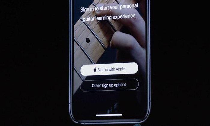 Apple ออกคำแนะนำให้วางปุ่ม Sign In With Apple ไว้เหนือการเข้าสู่ระบบด้วยตัวอื่น