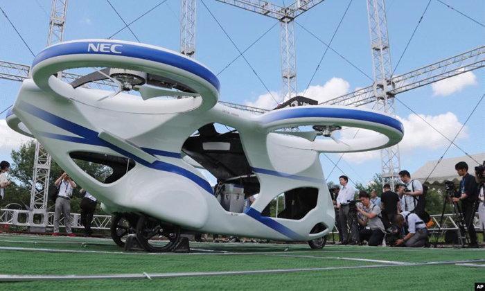 """บริษัทเอ็นอีซีของญี่ปุ่น เปิดตัว """"รถยนต์บินได้"""""""