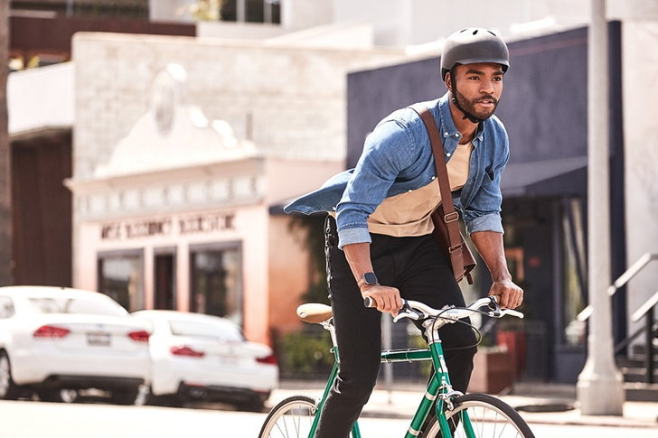 fitbit_versa_2_lifestyle_bike