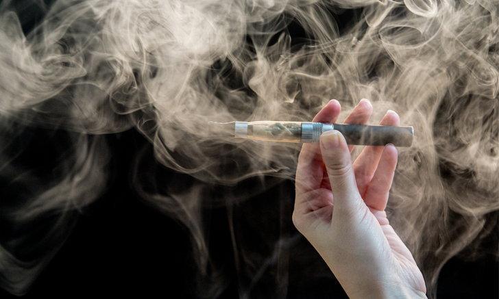 """องค์การอนามัยโลกเรียกร้องกฎคุม """"บุหรี่ไฟฟ้า"""" เข้มงวดมากขึ้น"""