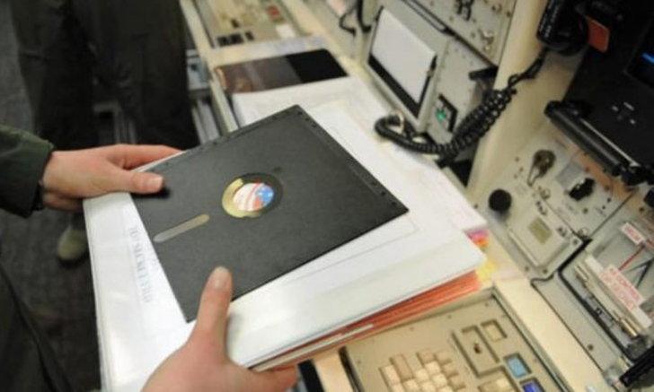 กองทัพสหรัฐมีแผนจะเลิกใช้ Floppy Disk ในการสั่งงานของระเบิดนิวเคลียร์!