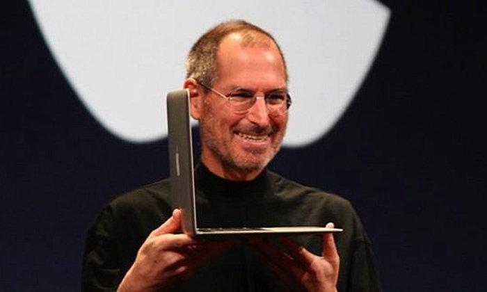 ฟลอปปีดิสก์พร้อมลายเซ็น Steve Jobs ถูกประมูลไปในราคา 26 ล้านบาท