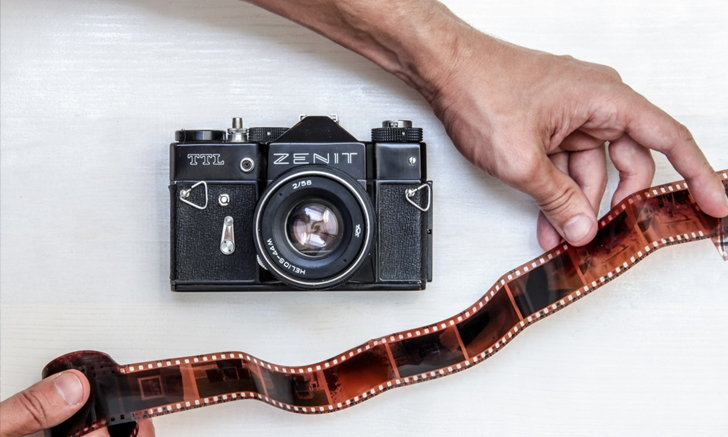 กล้องฟิล์มจะฮิตอีกนานไหม หลังเฉียดตายแต่กลับมาเฟื่องฟูรุ่งโรจน์อีกครั้ง