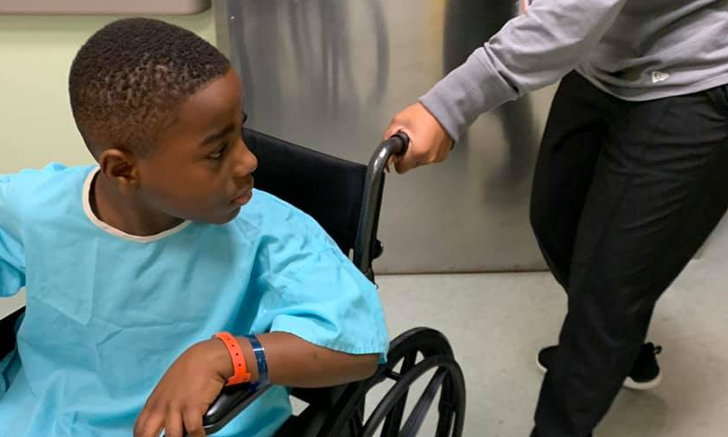 อย่าลืมเตือนลูกหลาน หนุ่มน้อยได้ AirPods เป็นของขวัญ แต่ดันกลืนลงไปจนต้องส่งโรงพยาบาล!