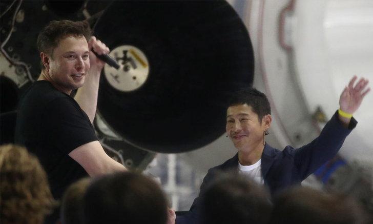 มหาเศรษฐีญี่ปุ่น ล้มแผนท่องดวงจันทร์กับสาวรู้ใจ