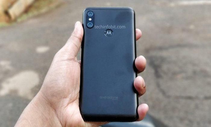 """หลุดภาพตัวเครื่องจริงของ """"Motorola One Power"""""""