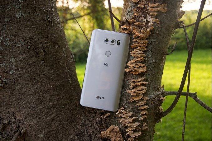 ลือ LG V40 อาจมาพร้อม กล้อง 5 ตัว และหน้าจอที่มีติ่ง