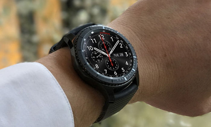 "Samsung พลาด! โชว์ ""Samsung Galaxy Watch"" บนหน้าเว็บไซต์ตัวเอง"