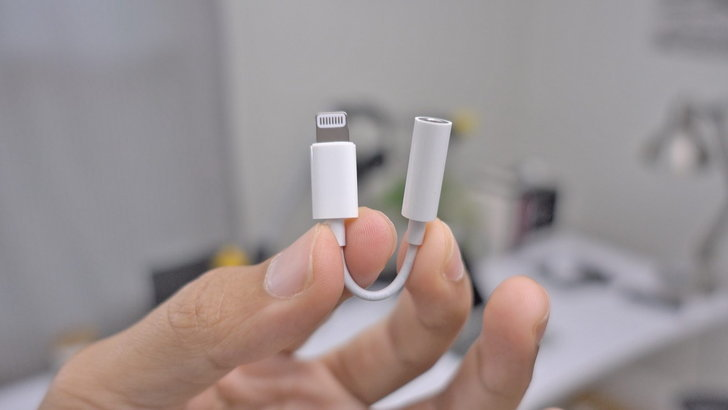 อยากได้ก็ซื้อเอา Apple ไม่แถมตัวแปลงหูฟัง 3.5 มม พร้อม iPhone อีกแล้ว