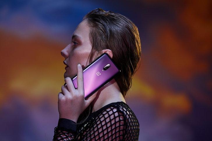 """11 สมาร์ทโฟนสุดพรีเมียม ที่ซื้อมาแล้ว """"คุ้มค่าคุ้มราคา"""" จริงๆ"""