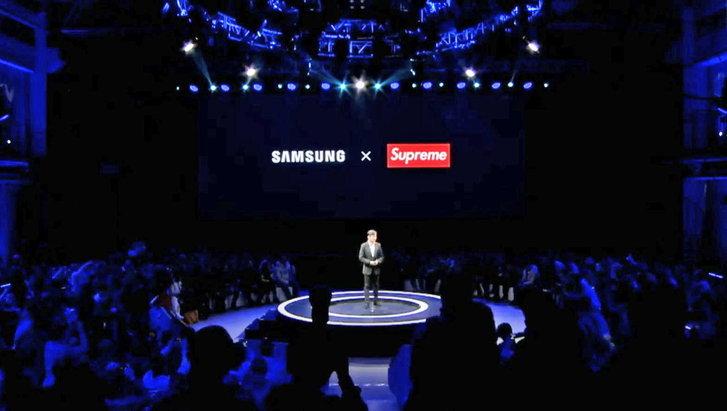 งานนี้มีฮา Samsung จับมือกับ Supreme แต่ดันเป็น Supreme ปลอม