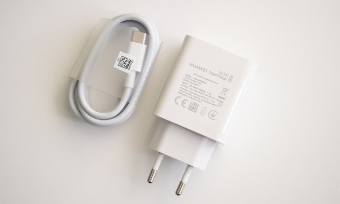 """Huawei"" กำลังพัฒนาที่ชาร์จ SuperCharge แบบกำลังไฟ 20W ให้มือถือระดับกลาง"