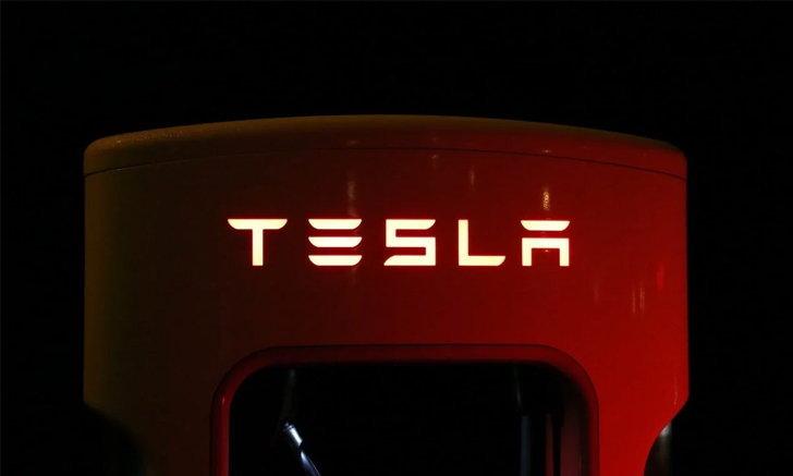 Tesla มีแผนให้สถานี Supercharger รองรับการชาร์จรถยนต์ไฟฟ้าค่ายอื่นภายในปีนี้