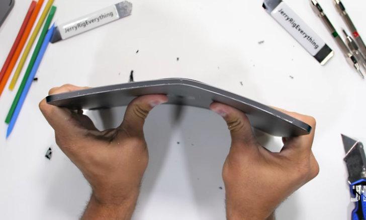 ของขายได้ก็ขายไปก่อน iPad Pro 2020 ยังงอได้เหมือนเดิม