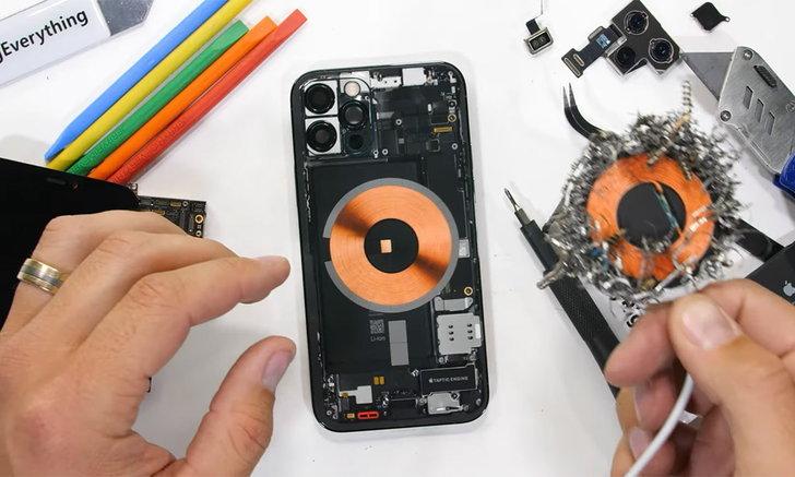 ชมคลิปการแกะ iPhone 12 Pro กับการตามล่า แม่เหล็ก MagSafe ในเครื่อง มันอยู่ตรงไหนกันแน่