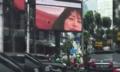 หนุ่ม IT เบื่อรถติดเลยจัดการแฮกจอโฆษณากลางถนนฉายหนังผู้ใหญ่เสียเลย!