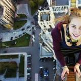 สาวรัสเซีย 17 ปีปีนขึ้นไปถ่ายบนสะพาน ก่อนเสียหลักตกและโดนไฟช็อตดับ