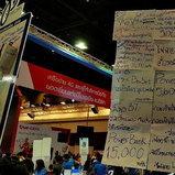 ป้ายโปรโมชั่นจากแต่ละบูทในงาน Thailand Mobile Expo 2017