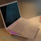Asus โชว์ AIRO Notebook ตัวบางเฉียบพร้อมคีย์บอร์ดแบบสไลด์