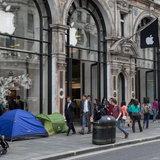 ภาพบรรยากาศการรอซื้อ iPhone 6 หน้าร้าน