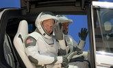 นักบินอวกาศ SpaceX เปิดตัวในสไตล์เท่ไม่เหมือนใคร