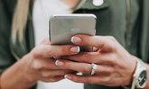 """""""แอปเปิล"""" วางระบบติดตามไอโฟนถูกขโมยช่วงประท้วงทั่วอเมริกา"""