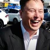 อย่าหาทำ Elon Musk ดันลืมชื่อ X Æ A-12 หรือชื่อลูกตัวเองระหว่างให้สัมภาษณ์