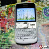 แกะกล่อง Nokia E5