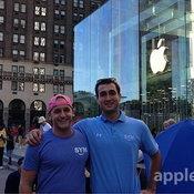สาวก Apple เริ่มตั้งแถวรอ iPhone 5C - iPhone 5S