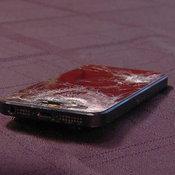 iPhone 5S ช่วยขีวิตทหาร เป็นเกราะรับสะเก็ดระเบิด