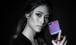 """จัดไปเบาๆ เมื่อเซเลบไทยปะทะ """"Samsung Galaxy Z Flip"""" สมาร์ทโฟนจอพับได้นวัตกรรมใหม่"""