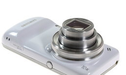 Samsung Galaxy S4 Zoom สมาร์ทโฟนลูกครึ่งเปิดตัวแล้ว