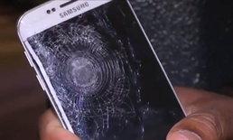 ไม่น่าเชื่อ Samsung Galaxy S6 edge ช่วยให้คน ๆ หนึ่งรอดตายจากเหตุ ณ กรุงปารีส