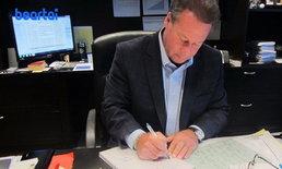 CEO ลงทุนเขียนการ์ดวันเกิดให้พนักงานทั้ง 9,200 คน เพื่อเป็นกำลังใจในการทำงาน!