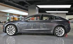 Tesla เพิ่มความสามารถจอดรถได้เองโดยไร้คนขับในรถยนต์รุ่น Model 3 แล้ว