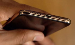 ผู้ใช้ iPhone XS บางรายเจอปัญหา Cellular, Wi-Fi ช้า