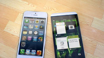 BlackBerry Z10 Versus iPhone 5 มวยถูกคู่