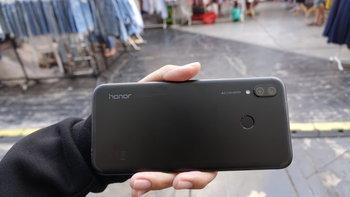 """Hands On Honor Play"" เกมมิ่งโฟนตัวแรกจาก Honor จัดสเปคมาเต็มสูบ"