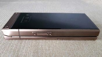 """ภาพหลุดล่าสุด """"Samsung W2019"""" ฝาพับพรีเมียม ดีไซน์งดงามน่าจับต้อง"""