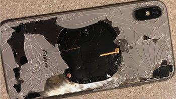 """เมื่อ iPhone X """"ระเบิด"""" ขณะทำการอัปเดต iOS 12.1"""