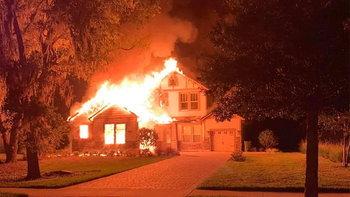 พบ iPad ที่มีปัญหาแบตเตอรี ทำไฟไหม้บ้านทั้งหลัง…