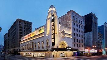 พาชม Apple Tower Theatre สโตร์แห่งใหม่ของ Apple ย่านดาวน์ทาวน์ลอสแองเจลิส