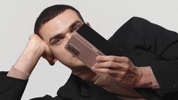 ซัมซุงเปิดตัว Galaxy Z Fold2 5G สมาร์ทโฟนหน้าจอพับได้ ดีไซน์สวยล้ำเข้ากับเทคโนโลยีขั้นสูง