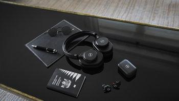"""เปิดตัว """"Master & Dynamic for 0.95"""" คอลเลคชั่นพิเศษที่ร่วมกับกล้อง Leica AG"""